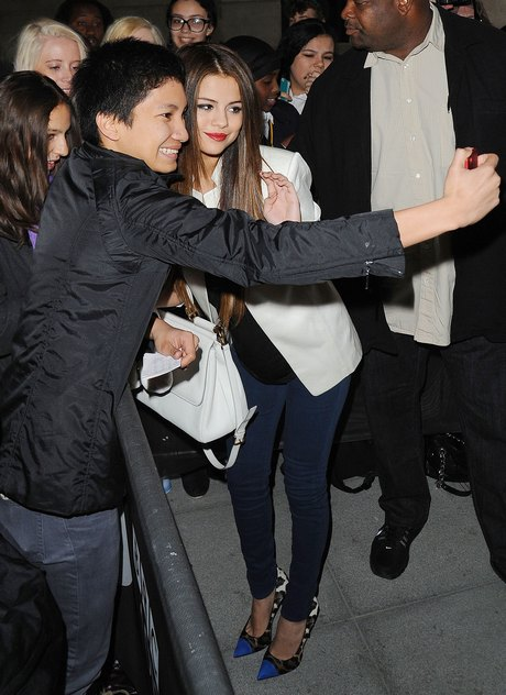 Selena Gomez Loves Her London Fans