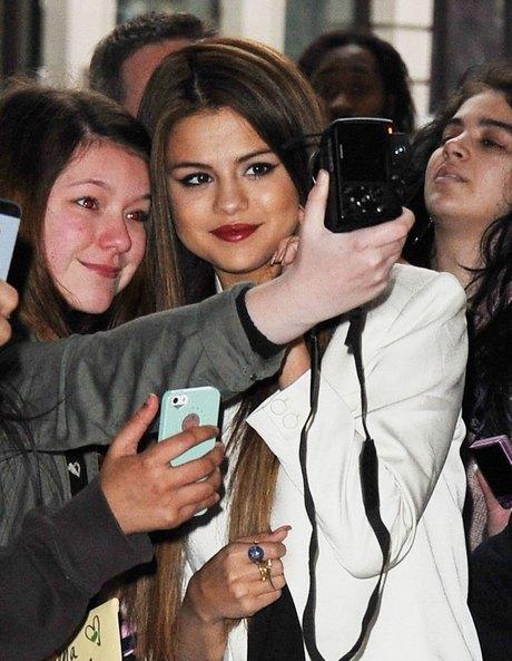 Selena Gomez Loves Her London Fans