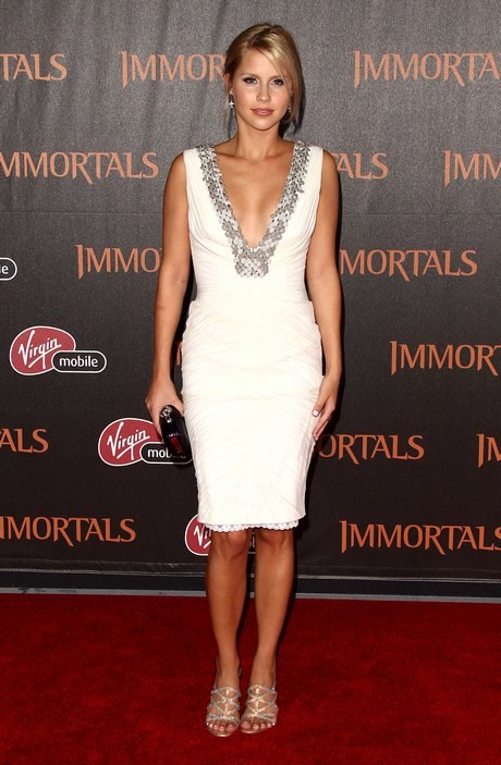 Freida Pinto at The Immortals 3D Premiere in Los Angeles