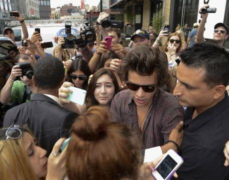 Harry-Styles-062813-3