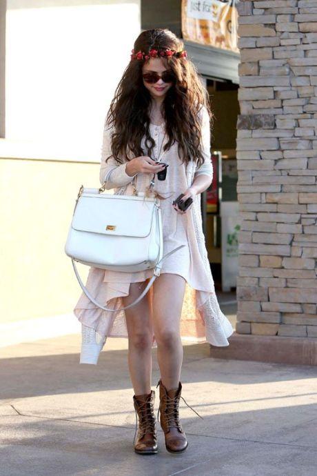 Selena-Gomez-061413-5