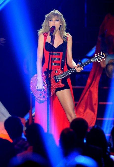 Taylor-Swift-060513-1