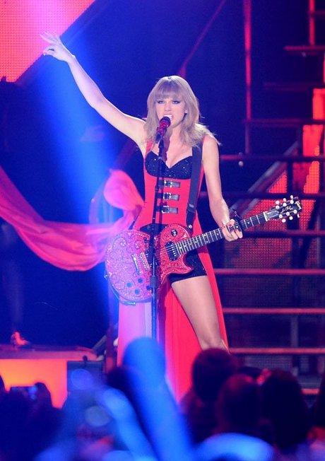 Taylor-Swift-060513-10