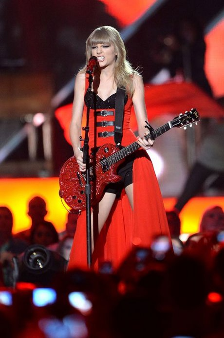 Taylor-Swift-060513-13