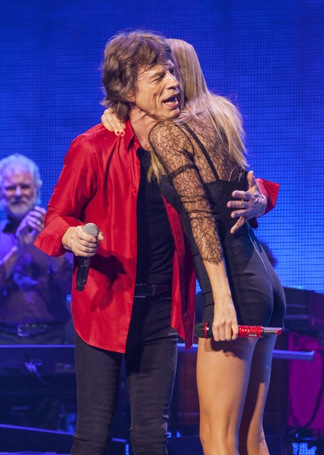 _performs_with_the_Rolling_Stones_in_Chica_2__6_