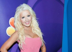 Christina_Aguilera_-_2013_Summer_TCA_Tour_in_Beverly_Hills_27-07-2013_HQ_0142