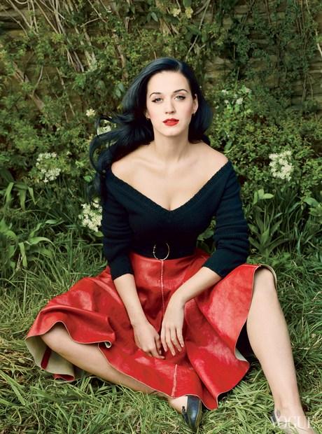 Katy_Perry_-_Annie_Leibovitz_Shoot_-__Vogue_USA_2013__004