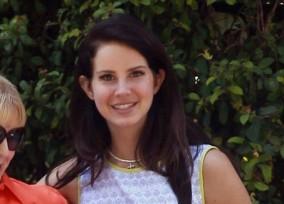 Lana-Del-Rey-072713-52