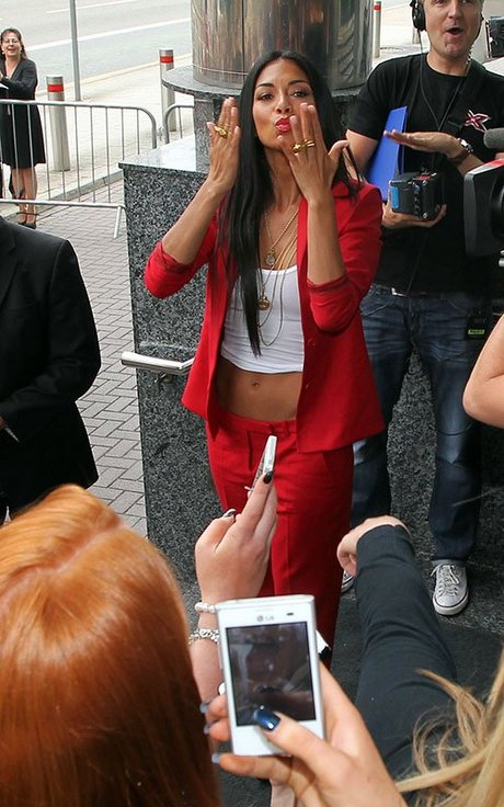 Nicole_Scherzinger_-_X_Factor_auditions_in_Cardiff_03-07-2013_003