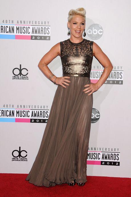 LA: 40th Anniversary American Music Awards - Arrivals