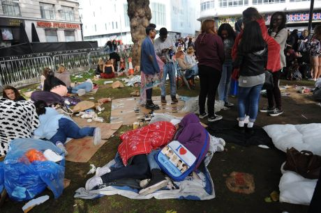 One Direction Fans Camp Out For The Premiere