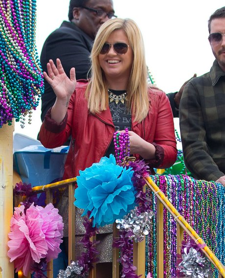 Kelly Clarkson Is The Grand Marshal At The Krewe Of Endymion Mardi Gras Parade