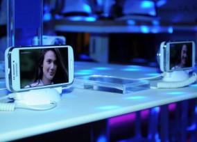 Samsung i Vip zurka_Predstavljen Samsung GALAXY S4 Zoom 031