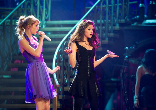Selena Gomez and Taylor Swift Live