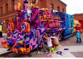 crocheted-locomotive-olek-1