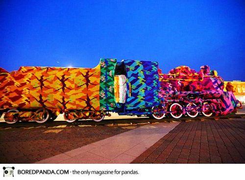 crocheted-locomotive-olek-4
