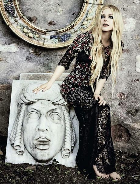 Avril_Lavigne_-_Glamour_Italy__Aug_2013_007