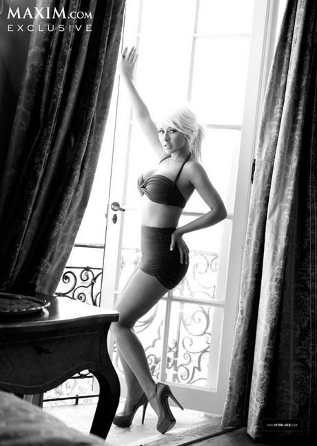 Christina_Aguilera_-_Maxim_October_Cover_Girl_2013_004