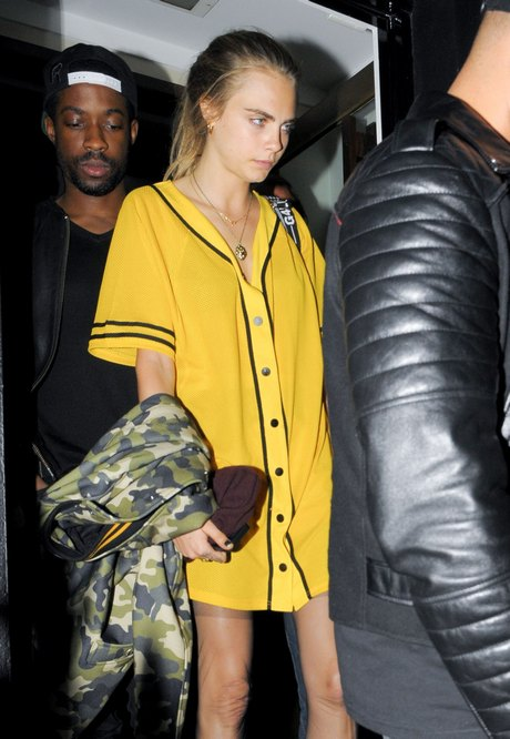 Rihanna Dines With Cara Delevingne In London