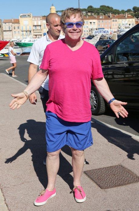 Elton John Vacations After Appendix Surgery