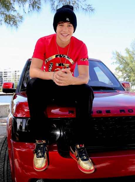 Exclusive... Austin Mahone Shows Off His New Driver's License