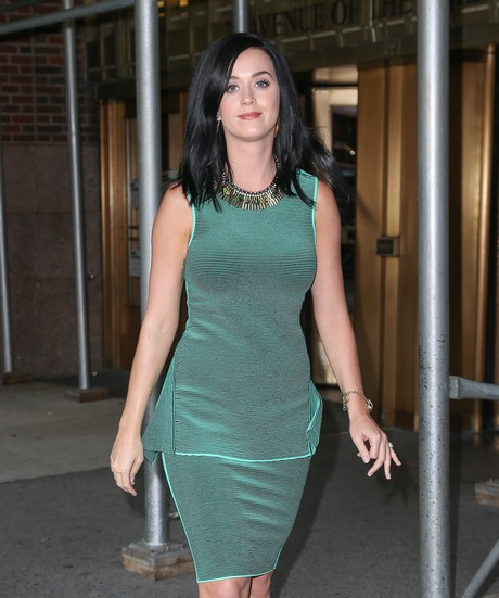 Katy_Perry_Out_in_New_York_City_on_August_27__2013_017