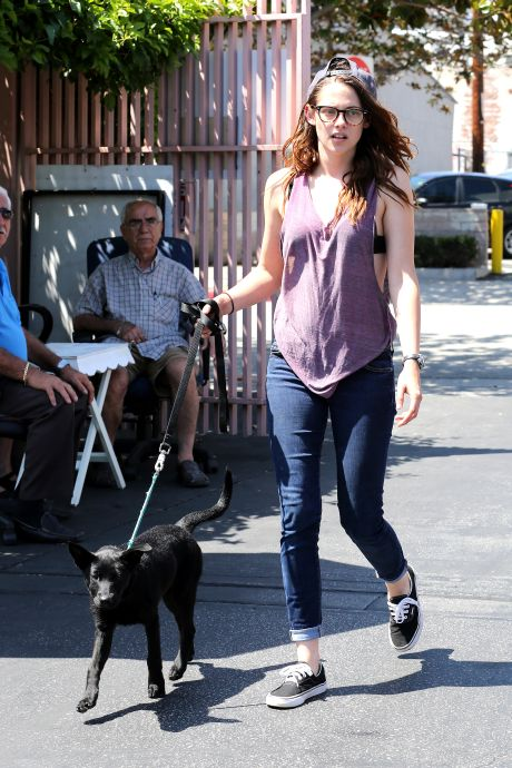 ** STRICT WEB EMBARGO UNTIL 10AM PST JULY 30TH ** *EXCLUSIVE* Kristen Stewart mends her broken heart with a new Dog **MUST CALL FOR PRICING**