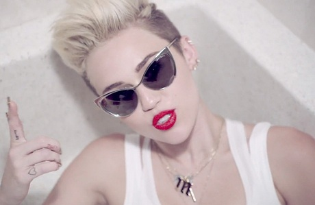 miley-cyrus-we-cant-stop-music-03