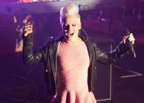 PARIS: Pink in concert