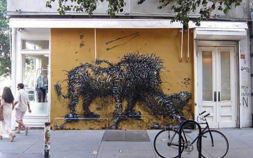 street-art-DALeast-8