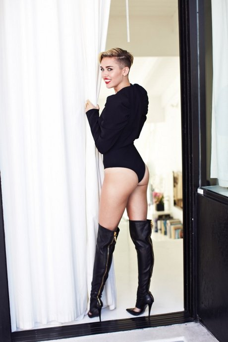 Behind-the-Scenes-Miley-Cyrus-Cover-Shoot-01-600x900