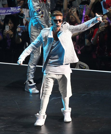 Justin Bieber Heats Up Shanghai on World Tour