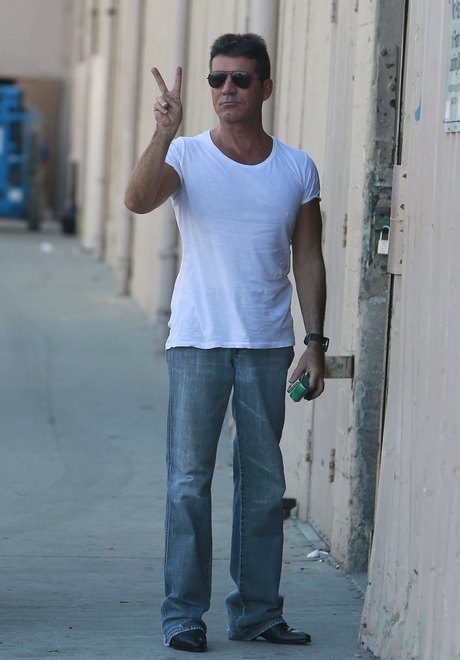Simon Cowell & Girlfriend On Set Of 'The X Factor'
