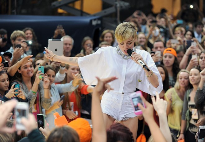 """Miley Cyrus Performs On The """"Today"""" Show"""