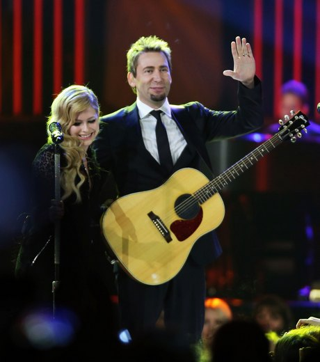 Avril lavigne & Chad Kroeger Perform Live In Vancouver