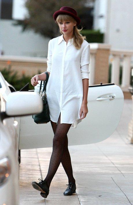 Taylor Swift Shopping At Barneys New York
