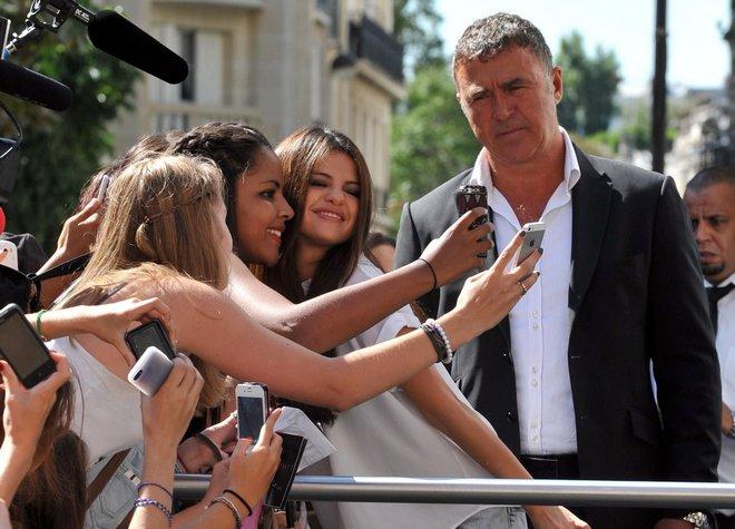 PARIS : Selena Gomez spotted in Paris