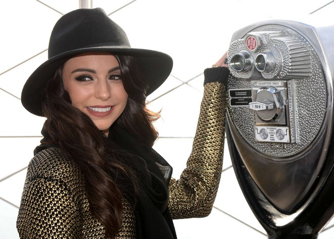 NY: Cher Lloyd Visits Empire State Building