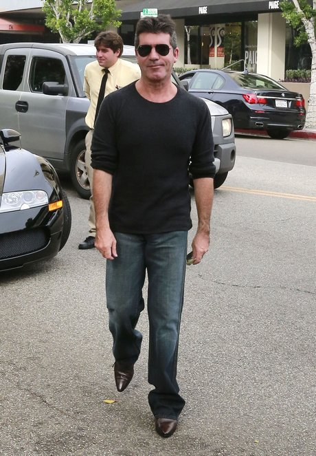 Simon Cowell & Pregnant Lauren Silverman Out For Lunch At The Ivy
