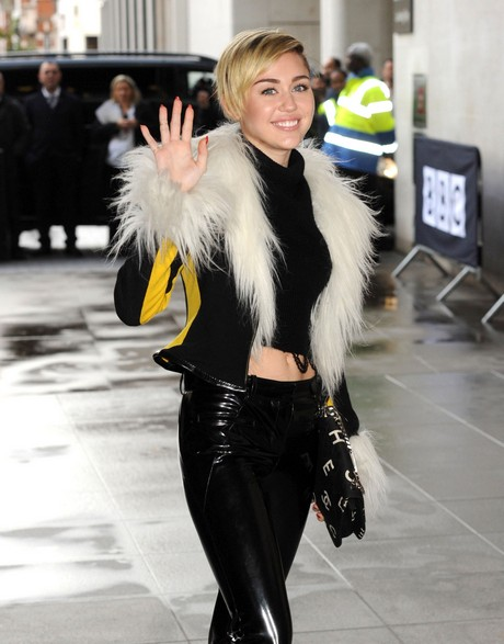 Miley Cyrus Just Decides To Not Give AF