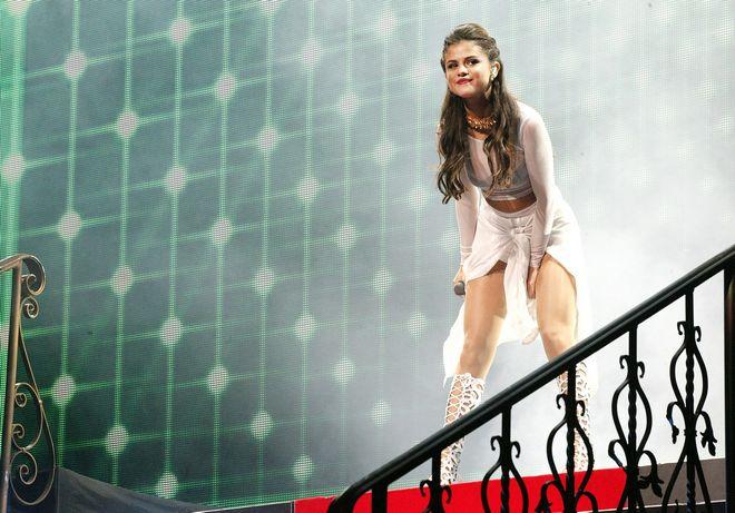 USA: Selena Gomez Begins Her US Tour In Philadelphia