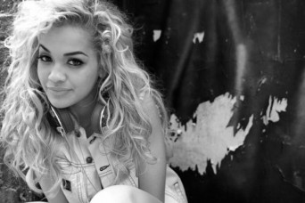 1381273862_Rita-Ora-born-where