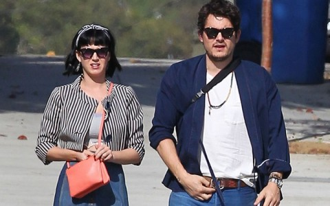 Exclusive... Ringless Katy Perry & John Mayer Spend Sunday Eating And Shopping - ADD WEB FEES