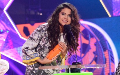 Selena Gomez 2014 Kids Choice Awards003