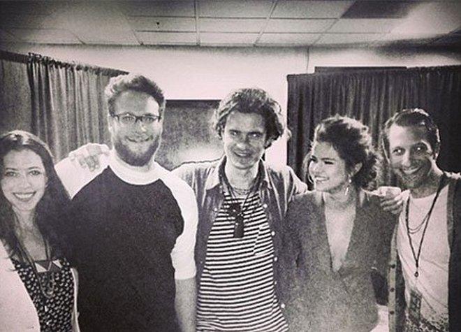 Osmeh na licu: Selena Gomez pozirala sa najvećim hejterom Justina Biebera!  ...