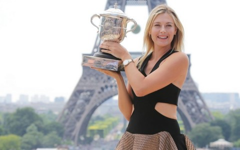 PARIS : Maria Sharapova of Russia poses with the Coupe Suzanne Lenglen