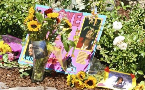 CA: FANS REMEMBER MICHAEL JACKSON AT NEVERLAND