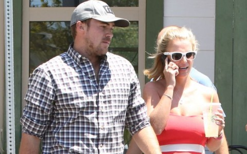 Britney Spears Lunches With Her Boyfriend