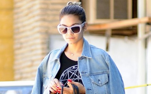 Vanessa Hudgens Picks Up Juice In The Valley