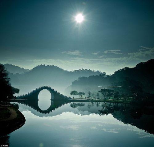 most mesecev most tajvan Mostovi kao iz bajke